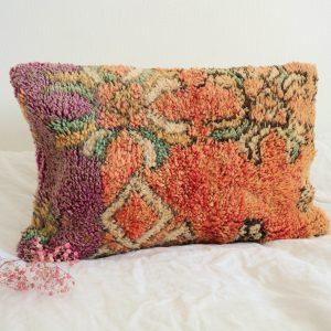 coussin berbère Marocain fait main en pure laine à partir d'un tapis vintage