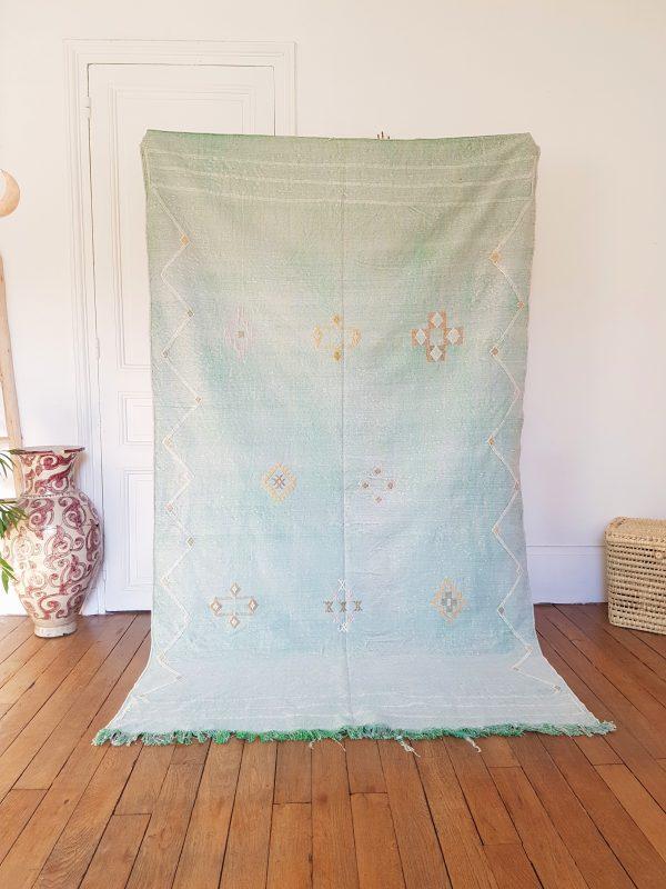 Handmade vegetable silk rug