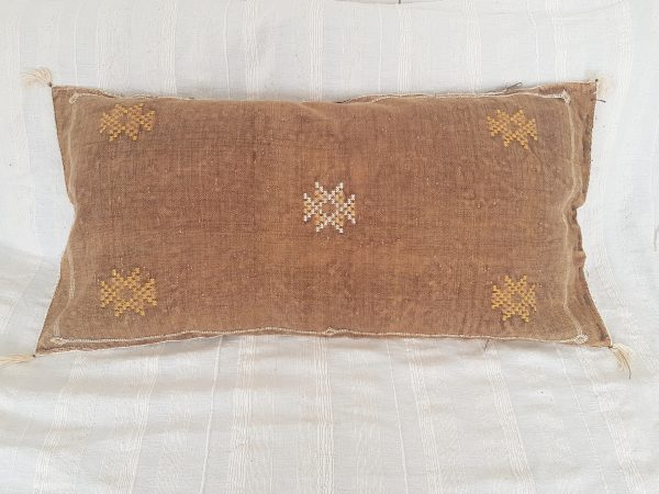 coussin marocain long en soie vegetale
