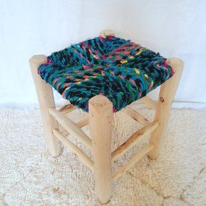 Tabouret traditionnelMarocain fait main en bois et tissus recyclés