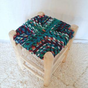 Tabouret traditionnel Marocain fait main en bois et tissus recyclés