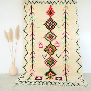 Tapis berbère Marocain en pure laine fait main aux motifs fluo