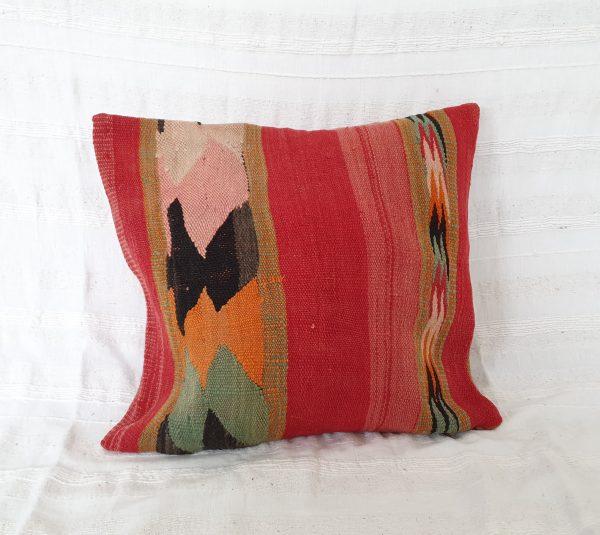 coussin en laine fait main