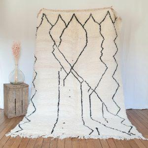 Luxieux tapis berbère fait à la main au Maroc