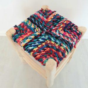 Tabouret coloré fait main au Maroc